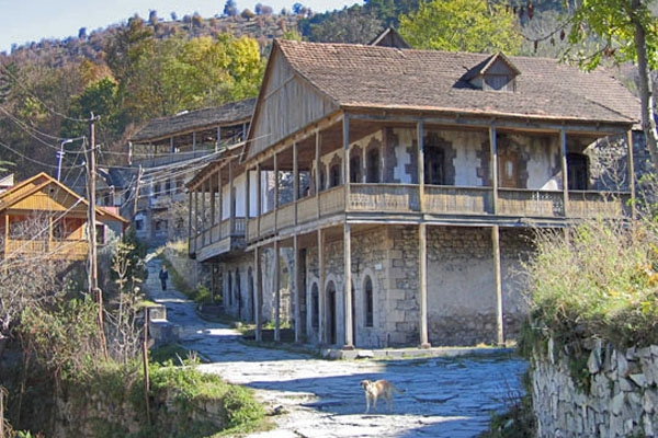 Send picture of House in Dilijan from Armenia as a free postcard