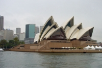 Photo de The famous Sydney Opera House, designed by Jørn Utzon - Australia