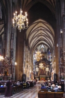 Foto van Inside Stephansdom in Vienna - Austria