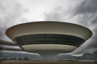 Foto di Museu de Arte Contempornea in Niteroi designed by Oscar Niemeyer - Brazil