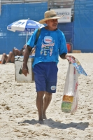 Photo de Ice cream seller at Ipanema beach - Brazil