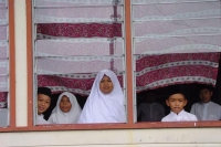 Foto van Students in a Kampung Ayer school - Brunei