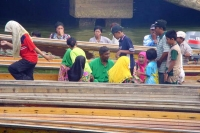 Foto di People on a boat in Brunei River - Brunei