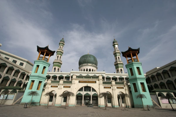 Send picture of Mosque in Tibet from China as a free postcard