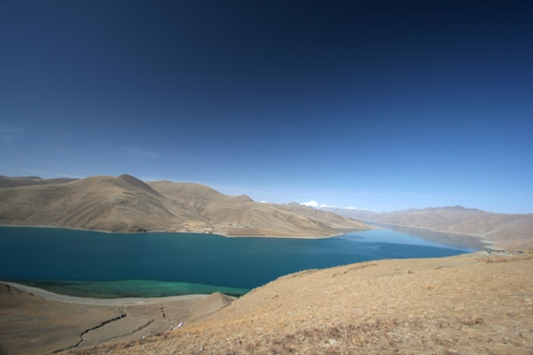 Send picture of The Yamdrok lake in Tibet from China as a free postcard