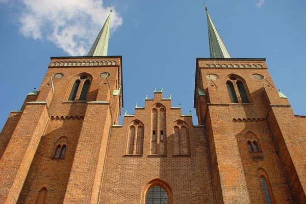 Send picture of Roskilde Cathedral from Denmark as a free postcard