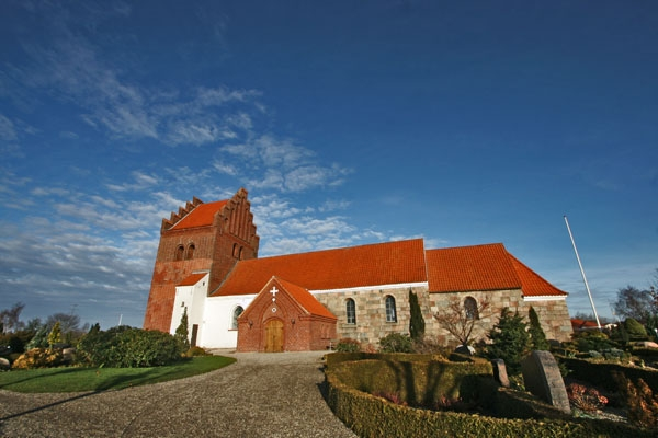 Send picture of Church in eastern Jutland from Denmark as a free postcard