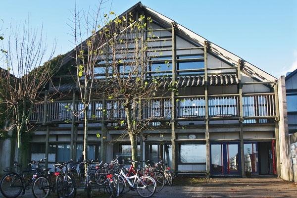 Send picture of School in eastern Jutland from Denmark as a free postcard