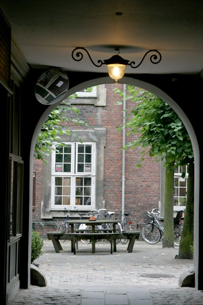 Send picture of Courtyard in Copenhagen from Denmark as a free postcard