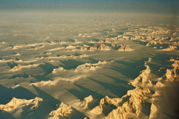 Spedire foto di View over Greenland from the sky di Danimarca come cartolina postale elettronica