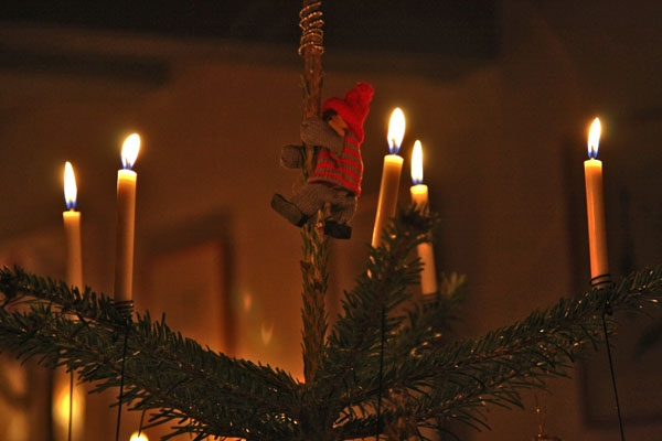 Send picture of Christmas tree decoration from Denmark as a free postcard