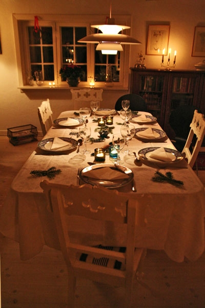 Send picture of Table set for Christmas dinner from Denmark as a free postcard