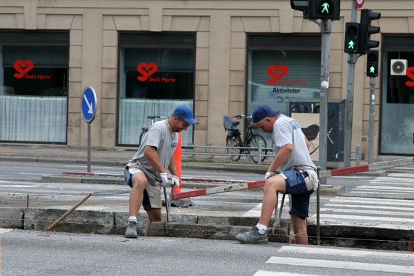 Send picture of Roadworkers in Copenhagen from Denmark as a free postcard