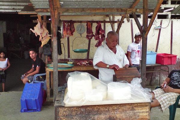Spedire foto di Puerto Lopez, Manabi: Butcher di Ecuador come cartolina postale elettronica