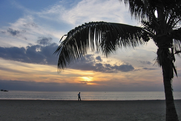 Send picture of Puerto Lopez, Manabi: Sunset from Ecuador as a free postcard