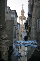 Foto van Houses in a narrow alley in Cairo - Egypt