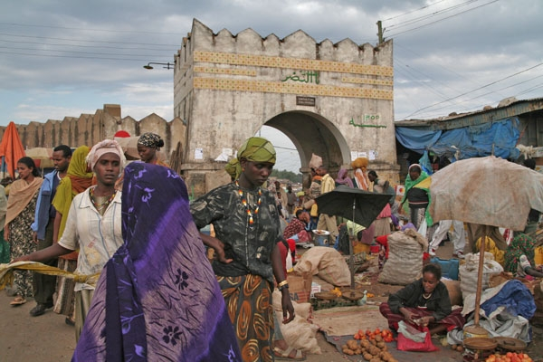 Send picture of Market in Harar from Ethiopia as a free postcard