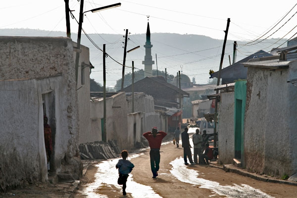 Send picture of Street scene in Harar from Ethiopia as a free postcard