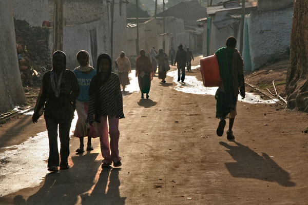 Streetlife in the early morning in Harar