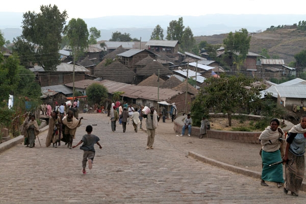 Send picture of Lalibela streetlife from Ethiopia as a free postcard
