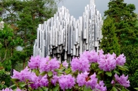 Foto di Sibelius Monument in Helsinki on a June day - Finland