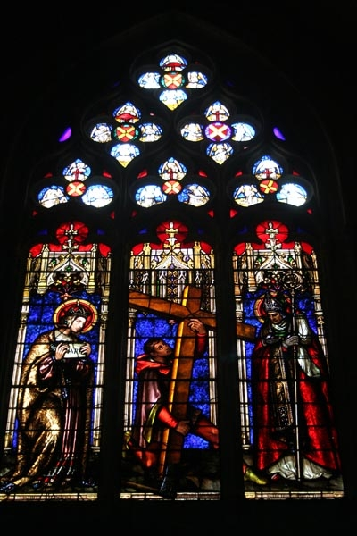 Send picture of Church window from France as a free postcard