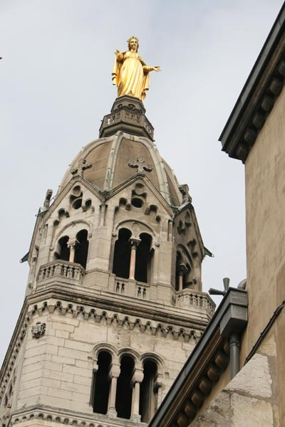 Send picture of Detail of a church in Lyon from France as a free postcard