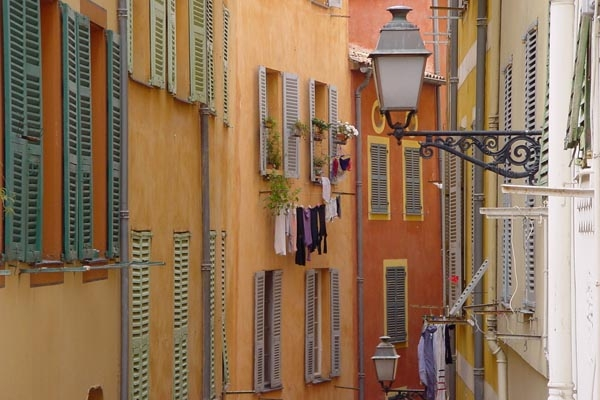 Send picture of Houses in Nice from France as a free postcard