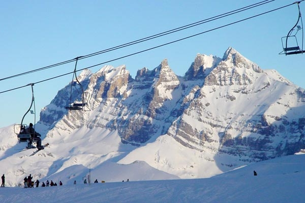 Send picture of Ski lifts at Morzine ski resort from France as a free postcard