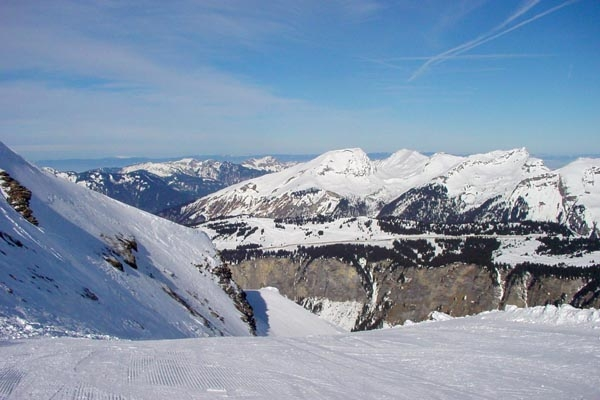 Send picture of Slopes at Morzine ski resort from France as a free postcard