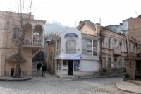 Photo de Small square in Tblisi - Georgia