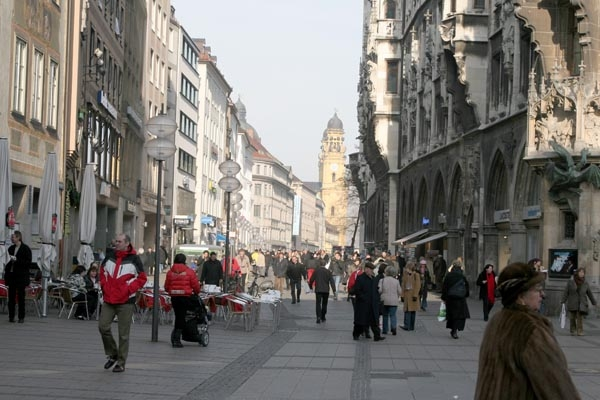 Envoyer photo de Munich street life de l'Allemagne comme carte postale &eacute;lectronique