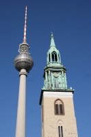 Foto di Tower of a Berlin church next to the TV tower - Germany