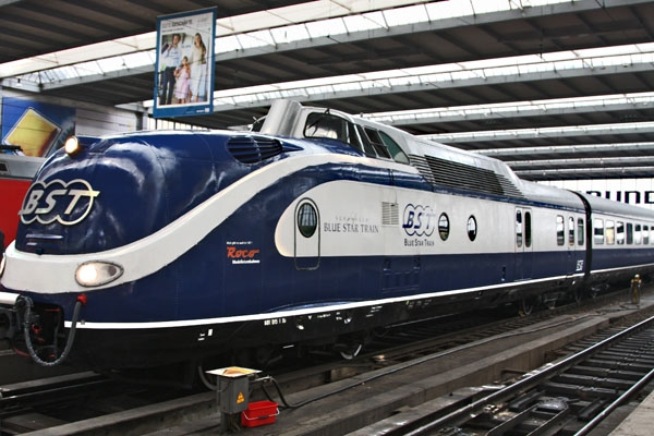 Send picture of Blue Star Train in Munich from Germany as a free postcard