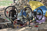 Foto van Bicycle repair shop in the streets of Accra - Ghana