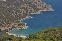Photo de Small beach on Poros - Greece