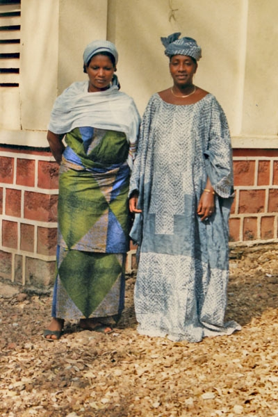 Send picture of Guinean women from Guinea as a free postcard