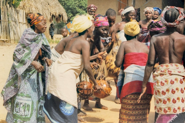 Send picture of Women in a Guinean village from Guinea as a free postcard
