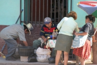 Foto van Street vendors preparing food  - Honduras