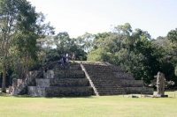 Foto van Tourists on one of the ruins of Copán - Honduras