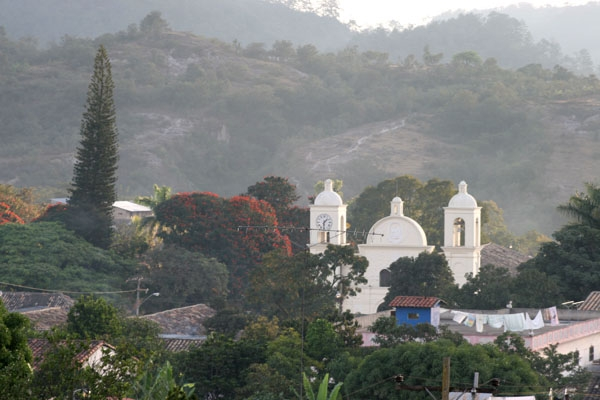 Send picture of Church in Gracias from Honduras as a free postcard