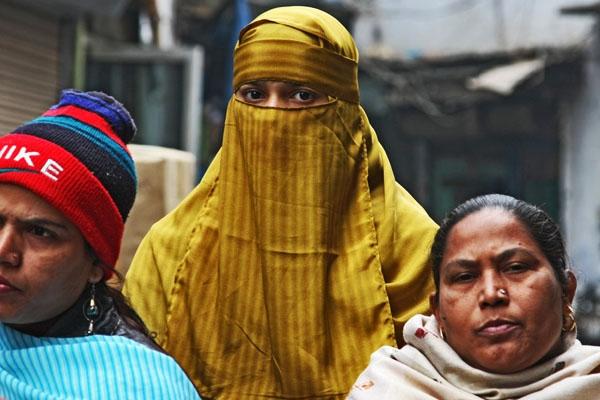 Enviar foto de Indian women in Delhi de India como tarjeta postal eletrónica