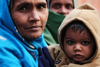 Picture of Indian mother with child - India