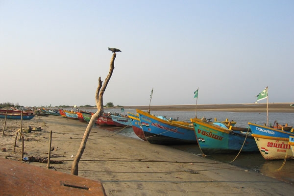Enviar foto de Fishing boats in Tamil Nadu given as compensation after the 2004 tsunami de India como tarjeta postal eletrónica
