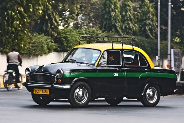 Spedire foto di Taxi in Delhi di India come cartolina postale elettronica