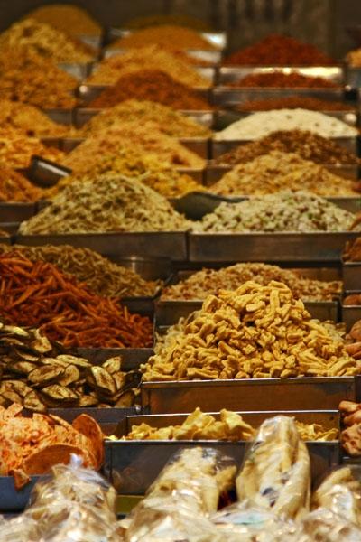 Enviar foto de Indian snacks in a Delhi food stall de India como tarjeta postal eletrónica