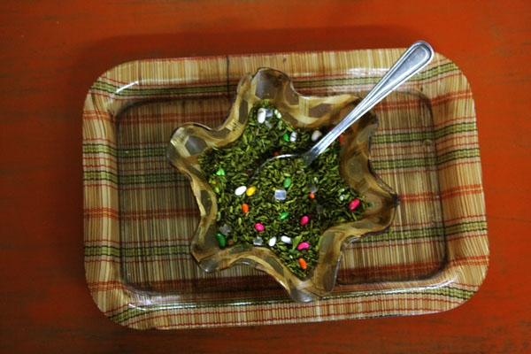 Send picture of Supari, a mixture of seeds and sweeteners for chewing after a meal; usually includes aniseed or fennel, shredded betel nut, sugar balls, marrow seeds etc from India as a free postcard
