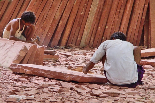 Send picture of Bricklayers in Delhi from India as a free postcard