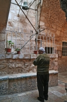 Foto van Church bell ringer in Church of the Holy Sepulchre - Israel