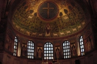 Foto van Inside a Ravenna church - Italy